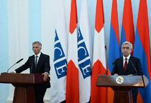 Նախագահ Սերժ Սարգսյանը և ԵԱՀԿ գործող նախագահ, Շվեյցարիայի Համադաշնության Նախագահ Դիդիե Բուրկհալտերը ԶԼՄ-երի հետ հանդիպմանն ամփոփել են բանակցությունների արդյունքները
