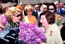 Первая леди Армении Рита Саргсян присутствовала на церемонии открытия мемориальной доски легендарного разведчика Геворка Варданяна