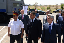 Президент присутствовал на открытии нового административного здания войск полиции