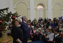 On the occasion of the approaching holidays, President Serzh Sargsyan and Mrs. Rita Sargsyan hosted numerous children at the Presidential Palace