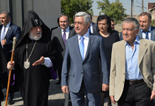 President attends opening of new building of Eurnekian General Education Institution