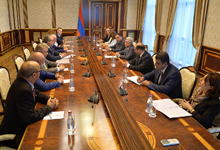 President receives members of Boris Mints Institute's International Council