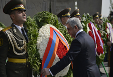 On the occasion of the 26th anniversary of Armenia's independence President Sargsyan visited the Erablur Pantheon