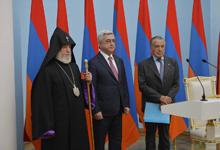 President hands Order of Homeland to philanthropist Eduardo Eurnekian
