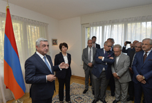 President presents Geneva talk's outcome at the meeting with Armenian community in Switzerland