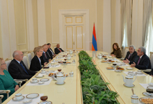 """President receives participants of """"The Role of Constitutional Courts in Overcoming Constitutional Disputes"""" conference"""