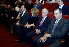 Президент присутствовал на юбилейном вечере к 75-летию Рафаела Котанджяна