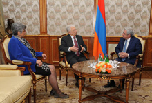 President receives world-renowned scientists Yuri Oganesyan and Ani Apraհamyan