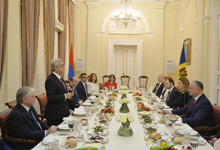 Presidency hosts official reception in honor of Moldova President