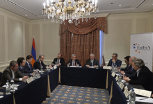 "President meets with members of the Board of ""European Friends of Armenia"" organization"