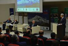 Президент принял участие в конференции, посвящённой органам местного самоуправления и территориального управления