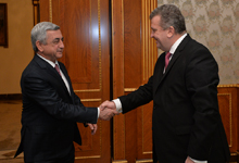 President holds farewell meeting with outgoing Romania Ambassador