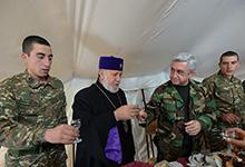 Ամանորի և Սուրբ Ծննդյան տոների առթիվ Նախագահն այցելել է Հայաստանի սահմանային պաշտպանական տեղամասերից մեկը
