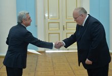 Newly appointed Poland Ambassador hands credentials to RA President