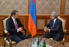 President receives RF Foreign Intelligence Service Director