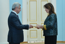Президент принял верительные грамоты новоназначенного посла Албании