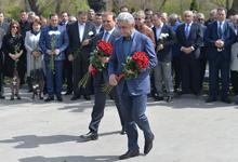 Նախագահ Սերժ Սարգսյանը հարգանքի տուրք է մատուցել Անդրանիկ Մարգարյանի հիշատակին