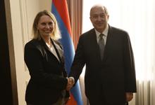 Նախագահ Սարգսյանն ընդունել է ԱՄՆ պետքարտուղարի Եվրոպայի և Եվրասիայի հարցերով փոխտեղակալ Բրիջիթ Բրինքին