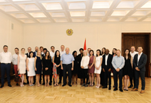 The President received participants of the Master's program from the Columbia University and London Business School