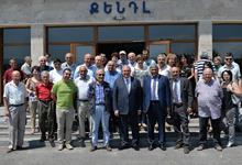 Президент Саркисян посетил Институт синхротронных исследований «КЕНДЛ»