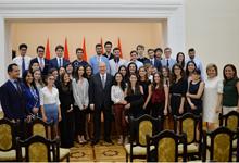 Նախագահը հանդիպել է ՀԲԸՄ ծրագրերի մասնակից ուսանողների հետ