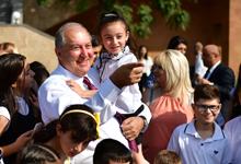 Գիտելիքի օրվա կապակցությամբ նախագահական  նստավայրում  հյուրընկալվել էին երեխաները