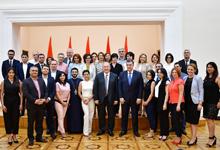 Президент встретился с выпускниками Ереванской школы политических курсов