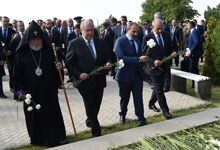 President Armen Sarkissian visited the Erablur military pantheon