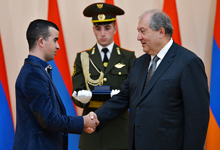 Award ceremony on the occasion Independence Day took place at the Presidential Palace