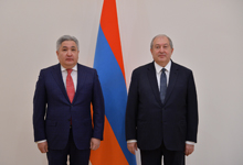 Ambassador of Kyrgyzstan to Armenia presented his credentials to the President