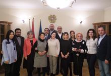 Տիկին Նունե Սարգսյանը Վարշավայում հանդիպել է հայ-համայնքի ներկայացուցիչների հետ