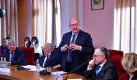 Հայաստանը կարող է լինել մրցունակ արհեստական բանականության ոլորտում. նախագահ Արմեն Սարգսյանը ելույթ է ունեցել ԳԱԱ գիտական սեմինարին