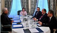 Նախագահ Արմեն Սարգսյանը Փարիզում հանդիպել է Ֆրանսիայի նախկին վարչապետ Դոմինիկ դը Վիլպենի հետ