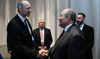 President Armen Sarkissian discussed with the member of the Board of Directors of Siemens Company Roland Bush cooperation in the area of artificial intelligence development
