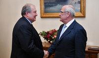 Նախագահ Արմեն Սարգսյանը հանդիպել է Հայկական բարեգործական ընդհանուր միության նախագահ Պերճ Սեդրակյանի հետ