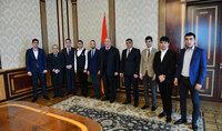 Պատերազմը հաղթում են ոչ միայն զենքով, այլև ոգով, սրտով և մտքով. նախագահ Սարգսյանը հյուրընկալել է 2016թ.ապրիլյան ռազմական գործողությունների մասնակիցներին