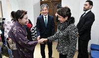 Տիկին Սարգսյանը ներկա է գտնվել Իկեբանայի և Սումի-է գեղանկարչության վարպետության դասին և ճապոնական թեյախմությանը