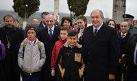 «Եկել եմ գլուխ խոնարհելու ձեր առաջ և ասելու, որ հպարտ եմ ձեզնով». Հայաստանի նախագահ Արմեն Սարգսյանն Արցախի նախագահ Բակո Սահակյանի հետ այցելել է Թալիշ