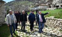 Ցանկացած գործի հաջողության համար շատ կարևոր են հոգին ու սերը. Հայաստանի և Արցախի նախագահներն այցելել են «Կատարո» գինու գործարան