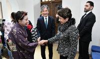 Госпожа Саркисян присутствовала на мастер-классе искусства икебаны и живописи суми-э и на японской церемонии чаепития