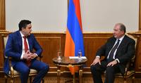 Նախագահ Արմեն Սարգսյանն ընդունել է «Մեկ Հայաստան» կուսակցության ներկայացուցիչներին