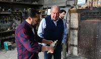 Նախագահ Արմեն Սարգսյանն Ախուրյանում հյուրընկալվել է քանդակագործ Ալբերտ Վարդանյանի արվեստանոցում