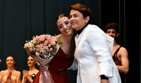 Госпожа Нунэ Саркисян вручила призы воспитанникам Ереванского государственного хореографического колледжа