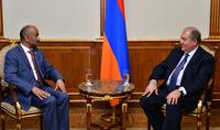 Նախագահ Արմեն Սարգսյանը ընդունել է Հանդուրժողականության և խաղաղության համաշխարհային խորհրդի նախագահին