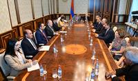 Նվիրումը, աշխատանքն ավելի են իմաստավորվում, եթե առողջ ես. նախագահը հյուրընկալել է Հայաստանի 5-րդ միջազգային բժշկական համագումարի մի խումբ մասնակիցների