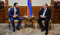 Սահմանադրության օրվա առթիվ նախագահ Արմեն Սարգսյանը հյուրընկալել է պետական ու քաղաքական գործիչ Էդուարդ Եգորյանի որդուն