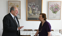 """President Sarkissian visited the apartment-studio of the RA People's Artist Hakop Hakopian: """"I love Hakop's works very much"""""""