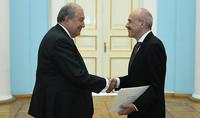 Կցանկանայինք ավելի շատ գերմանական ներկայություն տեսնել Հայաստանում. նախագահին հավատարմագրերն է հանձնել Հայաստանում Գերմանիայի դեսպանը