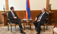 Հայաստանը Եվրոպական միության և Եվրասիական տնտեսական միության միջև լավ կամուրջ է. նախագահն ընդունել է «Շնայդեր գրուպ» ընկերության հիմնադրին