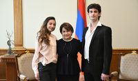 Spouse of the President of Armenia Mrs. Nouneh Sarkissian hosted students of the Yerevan State Dance College who attended master classes at the Bolshoy Theater in Moscow